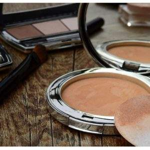 Comprar base de maquillaje para make up natural de noche